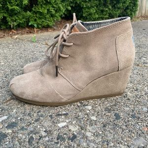 Toms Tan Wedge Booties